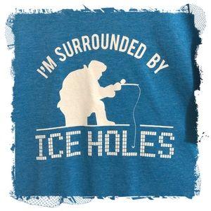 ❤️3/$30 Ice fishing graphic t-shirt. XL